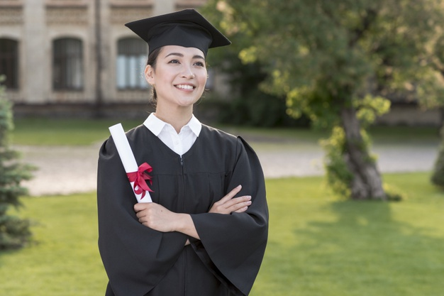 lulusan universitas ternama