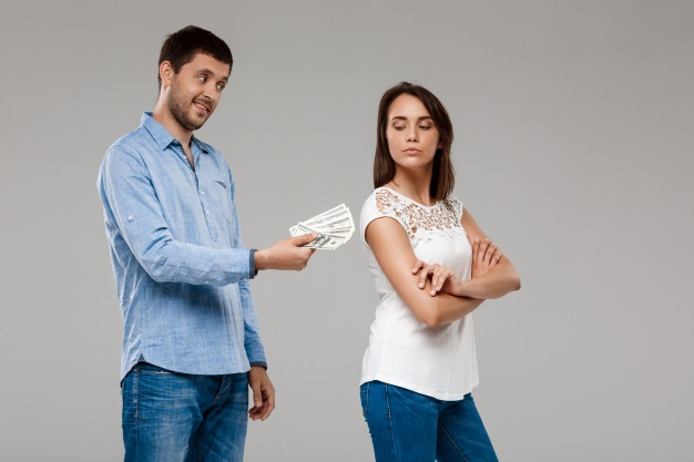 uang sumber konflik pasutri